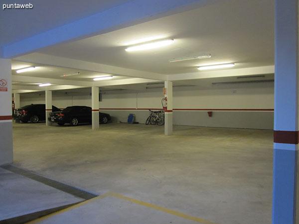 Garage. El apartamento cuenta con dos espacios asignados.