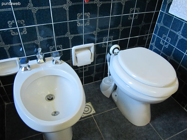 Detail of sanitary appliances in the bathroom of the suite.