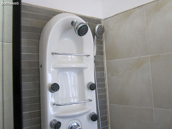 Detail of the Turkish shower.