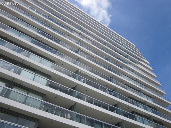 El edificio cuenta con cinco ascensores Otis de �ltima generaci�n.