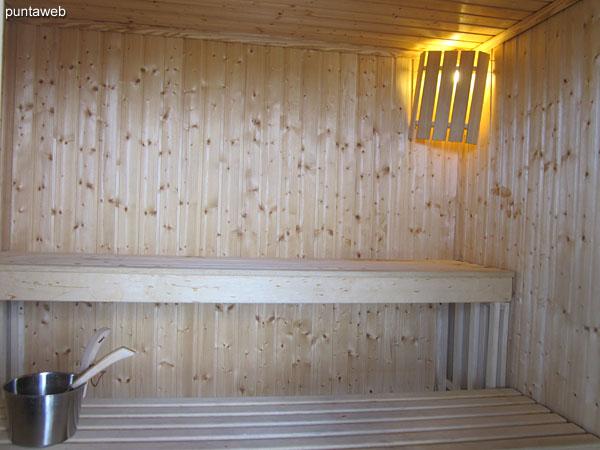 Vista desde el sauna h�medo al este.