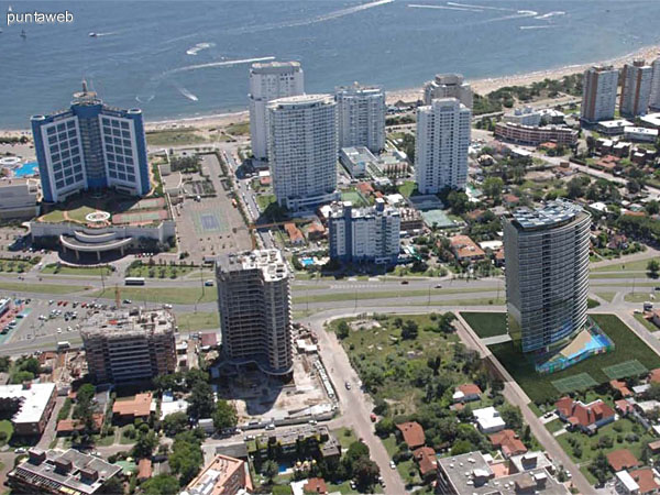 Vista aérea mostrando distancias y ubicación.