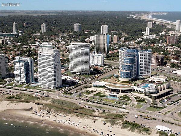 Vista a�rea y relaci�n distancia a playa Brava.