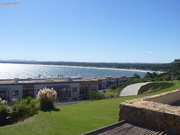Vista de la bahía de Portezuelo desde las unidades.