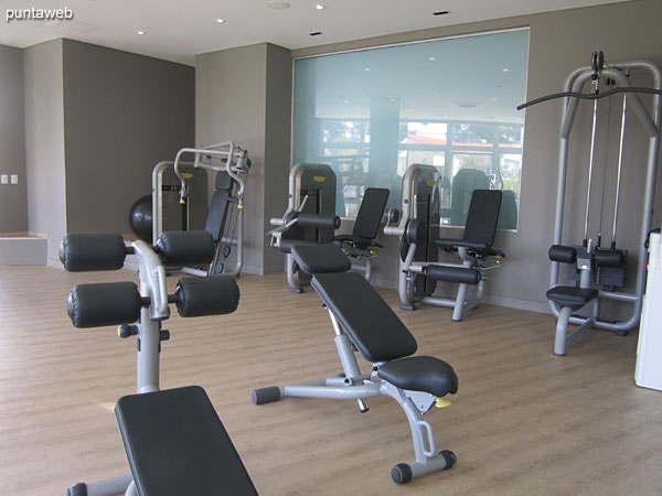 Gym. Located on the ground floor next to the reading room and other building services.<br><br>Equipped with stationary bicycles, walkers and appliances with weight system.
