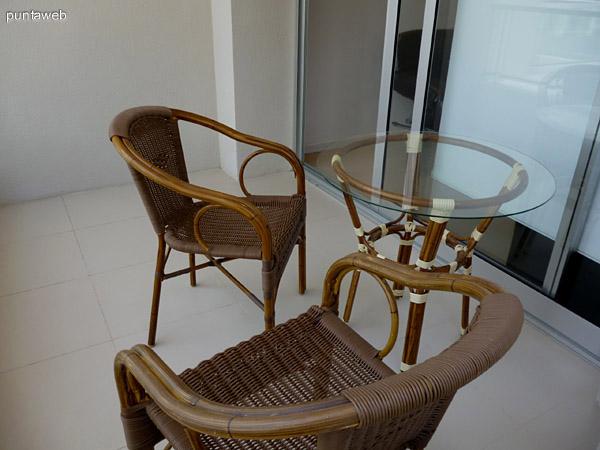 Terraza y mobiliario.