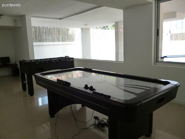 Sala de juegos en Planta Baja.
