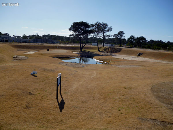 Campo de golf de 4 hoyos.