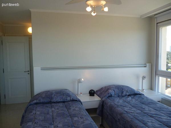 Segundo dormitorio en suite.