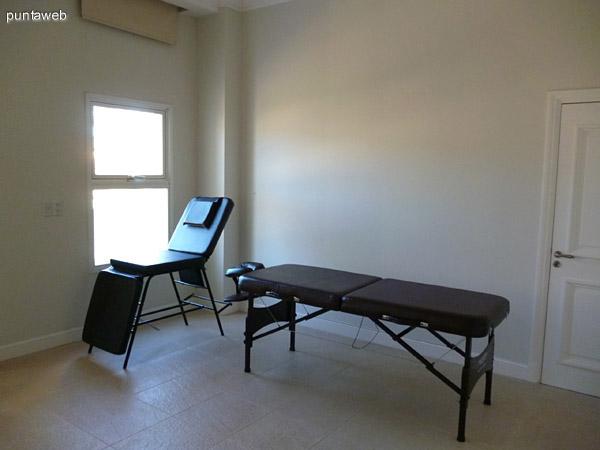 Sala de masajes y sala relax.