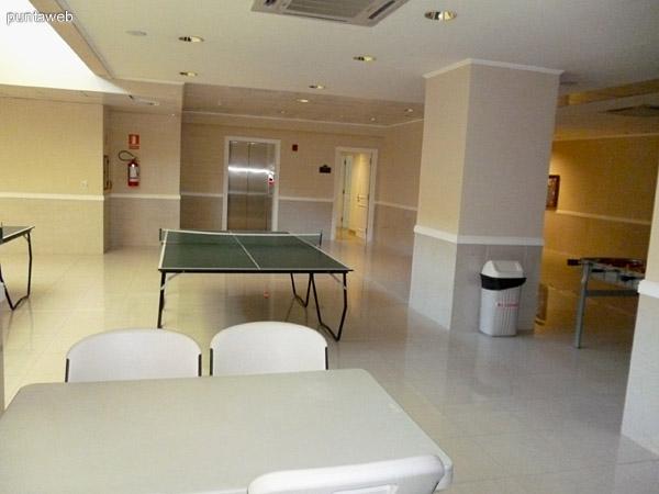 Sala para adolescentes.