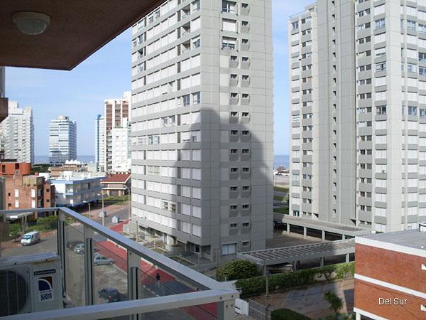 Vista desde la terraza a la calle.