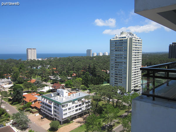 View from balcony terrace west suburbs on environment.<br><br>At the bottom of the image the bay of Punta del Este.