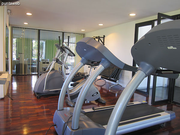 Details of the equipment in the gym.