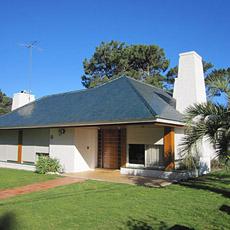 Alquiler de casas en zona de playa mansa de punta del este for Alquiler de casas en paradas sevilla