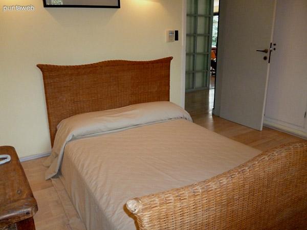 Dormitorio en suite, cuenta con ventilador, luminoso a toda hora.